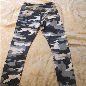 Reebok High Wasted Camo leggings!  Like new!